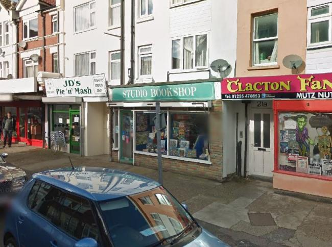 Former town centre bookshop to become takeaway