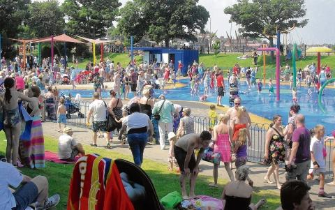 Maldon: Families' fury at Splash Park queue 'shambles'