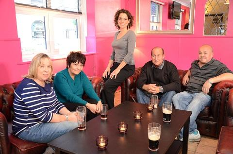 Jeff Dolbear (second from right) with hotel inspector Alex Polizzi and his family
