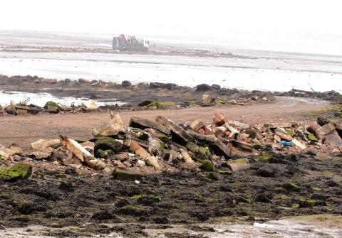 Osea Island: Tribunal orders removal of rubble from island causeway