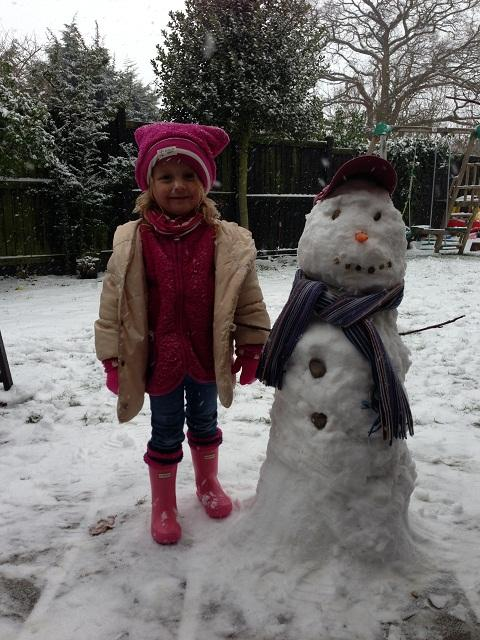Maldon district: We're having a ball in this wintry weather!