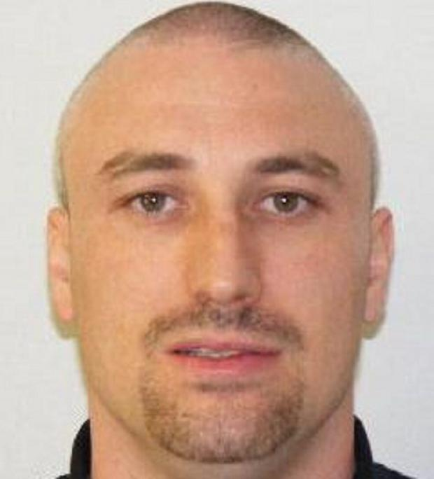 Essex: Police hunt for prisoner