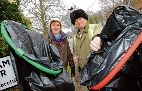 Woodham Walter: Litter pickers out in force