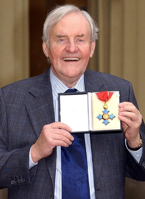 Burnham: Pensioner pays tribute to friend Richard Briers