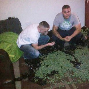 Phone photos see drugs gang jailed