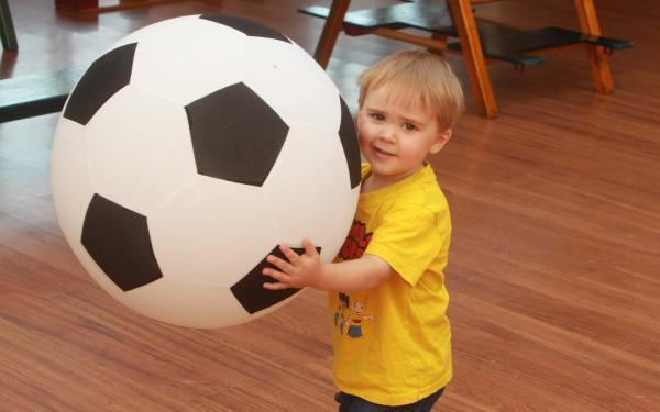 Maldon and Burnham Standard: Elliot Bowman-Daniels tries out football