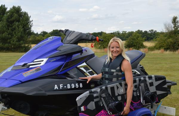 Lisa Parnham helped out another river user who had capsized