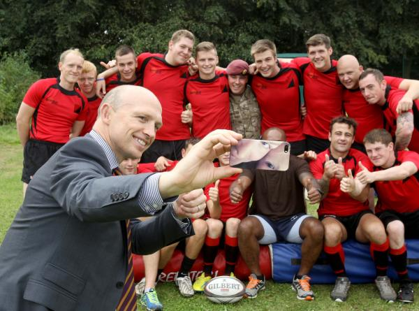 Colchester soldiers pile in for selfie with Matt Dawson