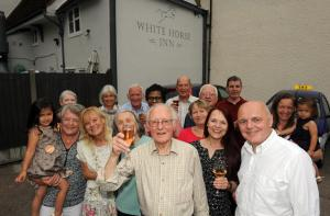 Maldon and Burnham Standard: War veteran returns to pub he was born in to celebrate 90th birthday